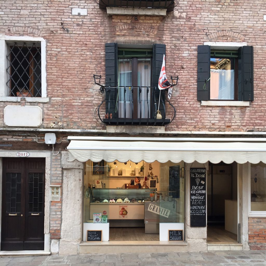 "Photo of Gelateria il Doge  by <a href=""/members/profile/RobvanderHoop"">RobvanderHoop</a> <br/>Storefront il Doge <br/> April 21, 2017  - <a href='/contact/abuse/image/90855/250656'>Report</a>"