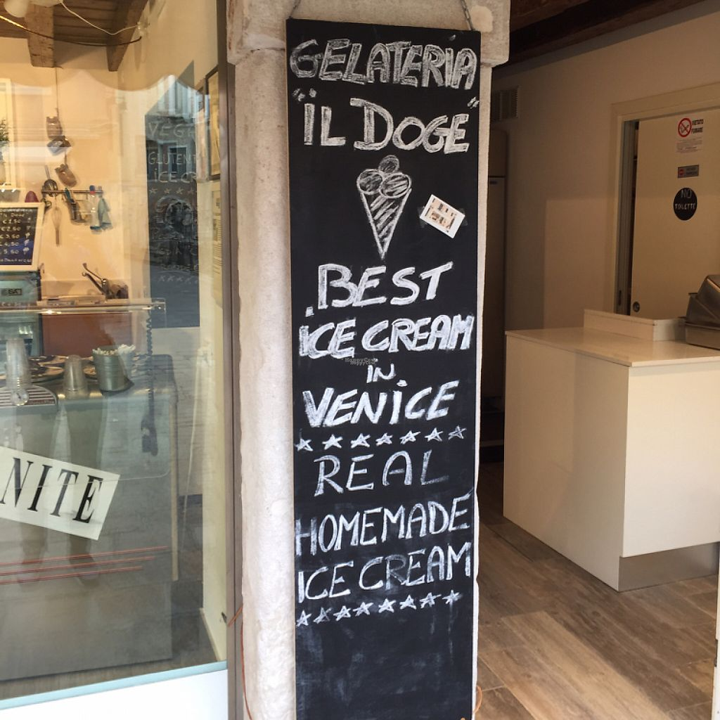 "Photo of Gelateria il Doge  by <a href=""/members/profile/RobvanderHoop"">RobvanderHoop</a> <br/>Sign il Doge <br/> April 21, 2017  - <a href='/contact/abuse/image/90855/250658'>Report</a>"