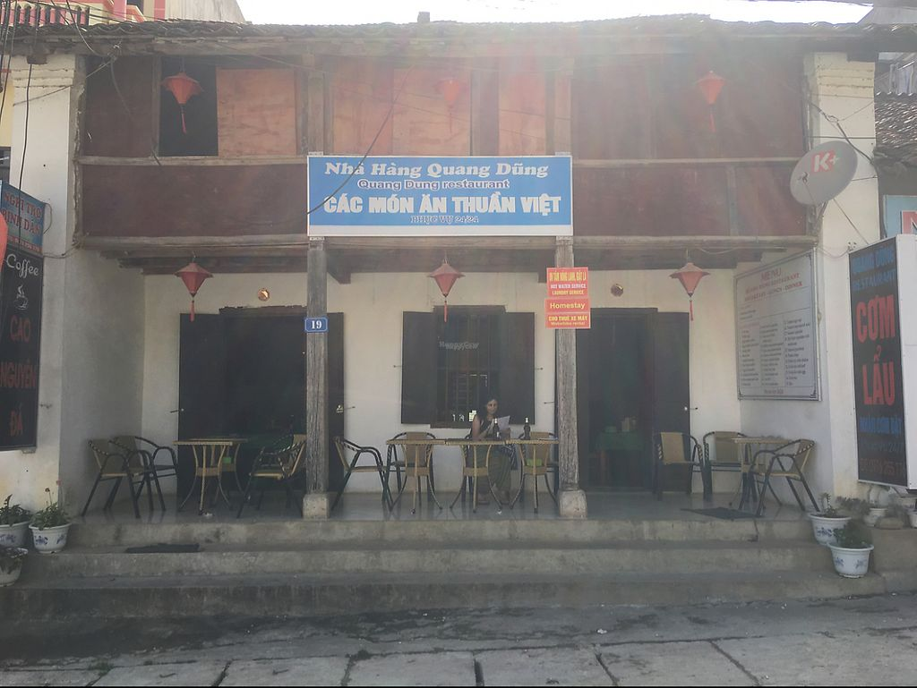 "Photo of Nha Hang Quang Dung  by <a href=""/members/profile/MitchGuy"">MitchGuy</a> <br/>store front  <br/> April 23, 2017  - <a href='/contact/abuse/image/90886/251281'>Report</a>"