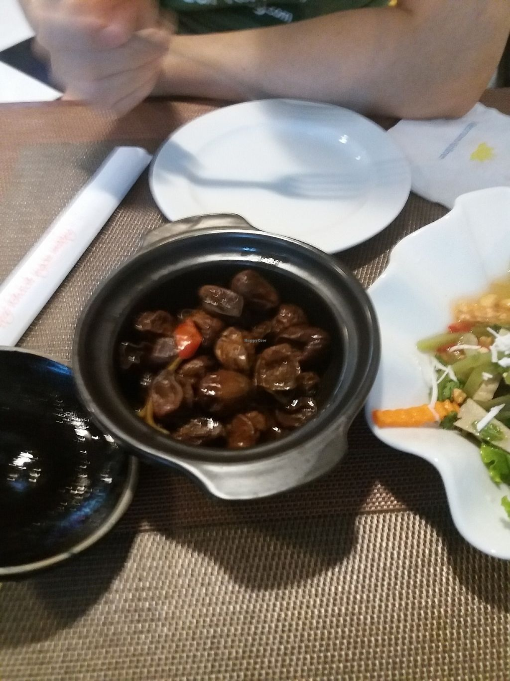 "Photo of CLOSED: Spring Lotus - Duong Sinh Chay  by <a href=""/members/profile/veganvirtues"">veganvirtues</a> <br/>Mushrooms in crock pot <br/> May 20, 2017  - <a href='/contact/abuse/image/90983/260562'>Report</a>"