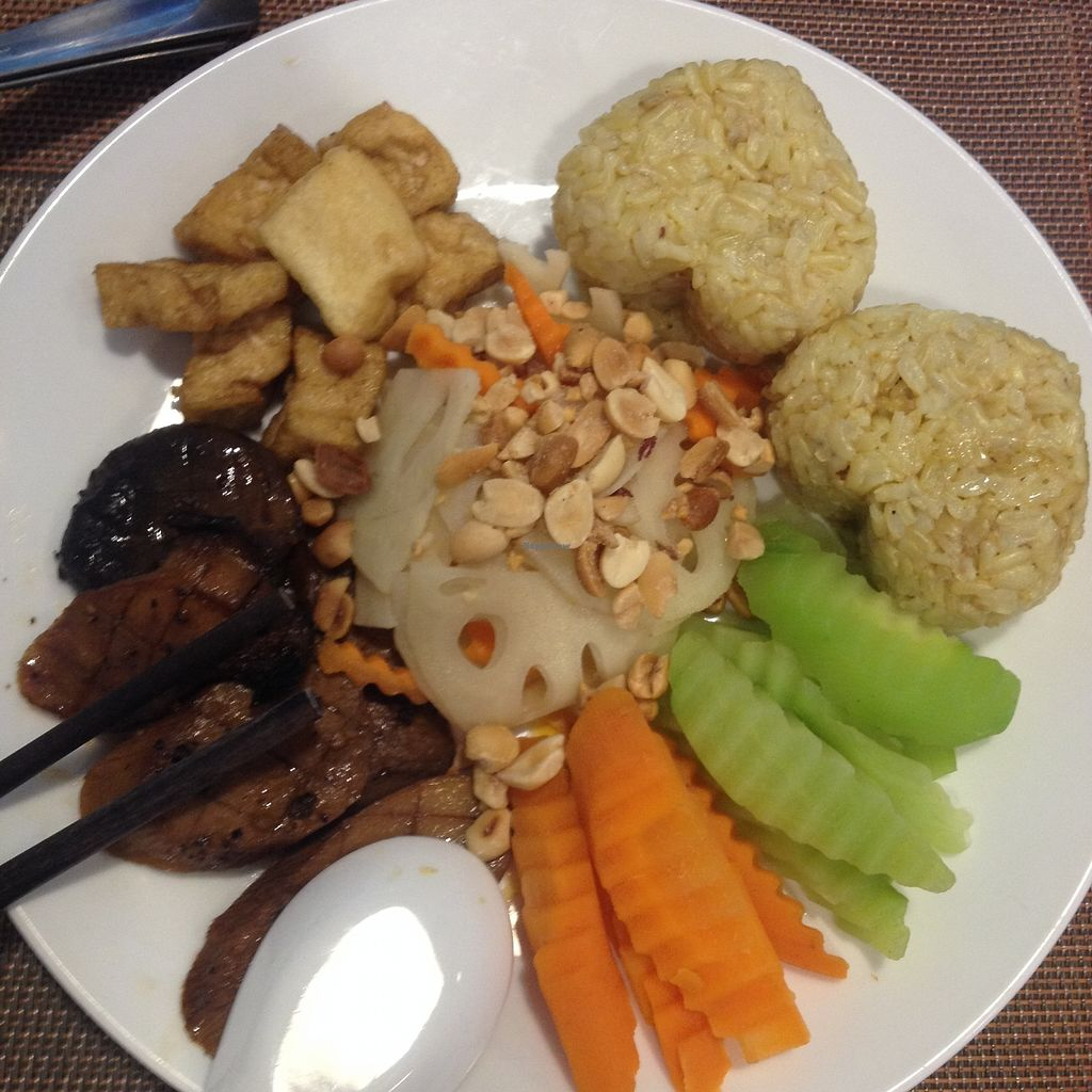 "Photo of CLOSED: Spring Lotus - Duong Sinh Chay  by <a href=""/members/profile/VeganGecko"">VeganGecko</a> <br/>Yummy rice and veggie plate <br/> June 27, 2017  - <a href='/contact/abuse/image/90983/274109'>Report</a>"