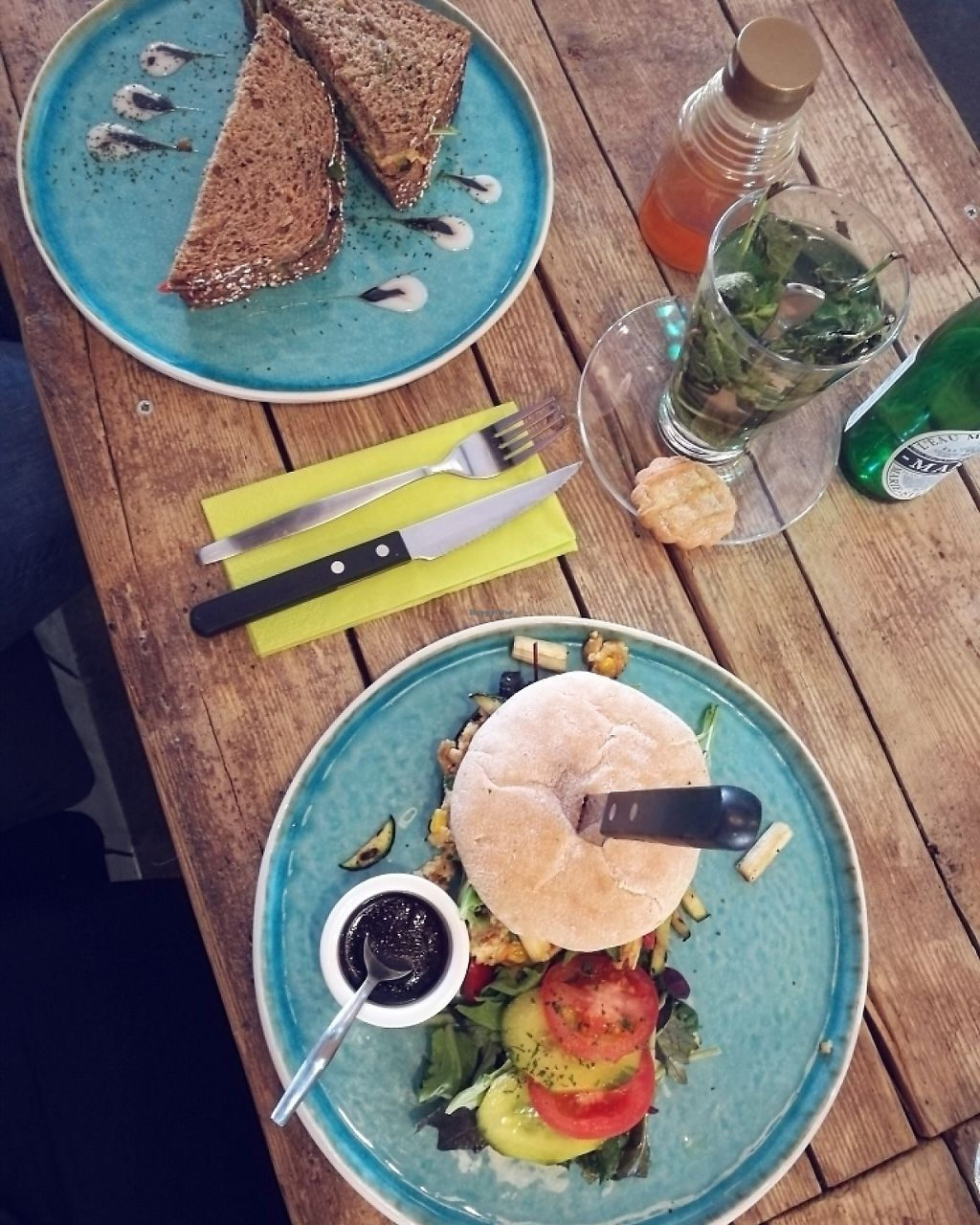 """Photo of Anna's Lunchroom  by <a href=""""/members/profile/claireeline"""">claireeline</a> <br/>Hummus Sandwhich en Tofu Burger <br/> May 23, 2017  - <a href='/contact/abuse/image/90988/261684'>Report</a>"""