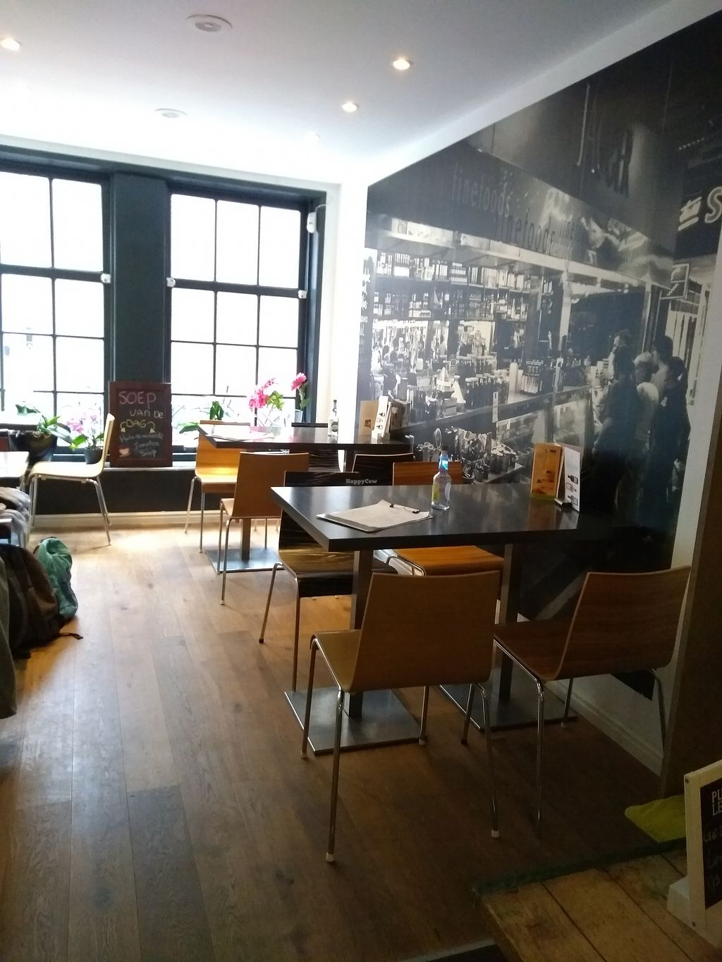 """Photo of Anna's Lunchroom  by <a href=""""/members/profile/thenaturalfusions"""">thenaturalfusions</a> <br/>inside room <br/> August 22, 2017  - <a href='/contact/abuse/image/90988/295815'>Report</a>"""