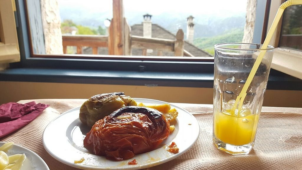 """Photo of En Aristi  by <a href=""""/members/profile/OfirCohen"""">OfirCohen</a> <br/>Stuffed peppers and tomatoes <br/> April 26, 2017  - <a href='/contact/abuse/image/91017/252731'>Report</a>"""