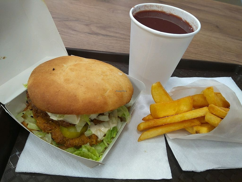 """Photo of Istvanffi Veggie Burger - Downtown  by <a href=""""/members/profile/ovejaexiste"""">ovejaexiste</a> <br/>Hamburger menu <br/> January 7, 2018  - <a href='/contact/abuse/image/91118/343971'>Report</a>"""