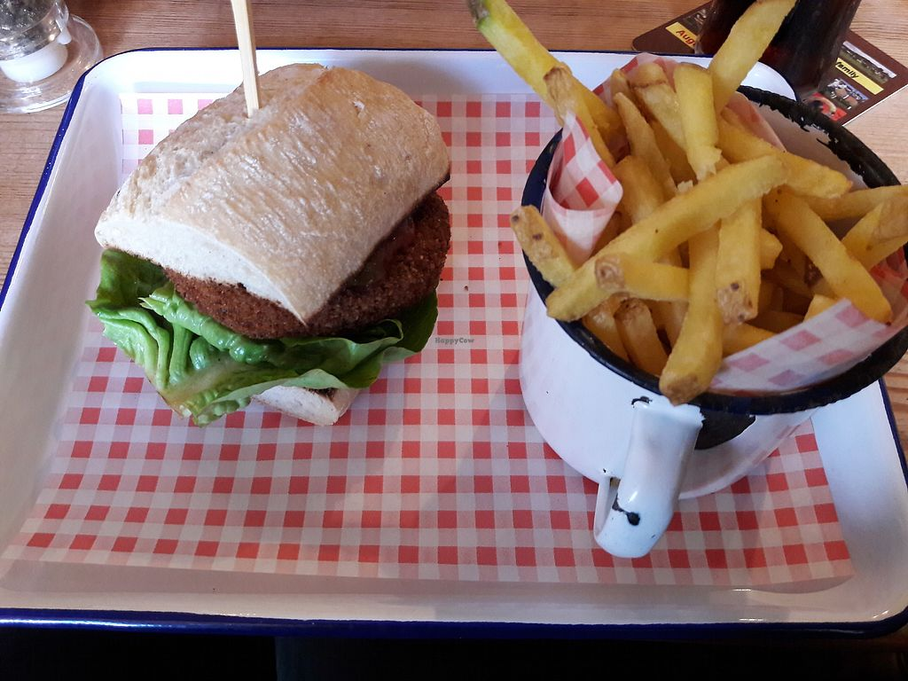 "Photo of The Peak Hotel  by <a href=""/members/profile/Jessicat66"">Jessicat66</a> <br/>Spicy bean burger and chips <br/> August 12, 2017  - <a href='/contact/abuse/image/91119/292060'>Report</a>"