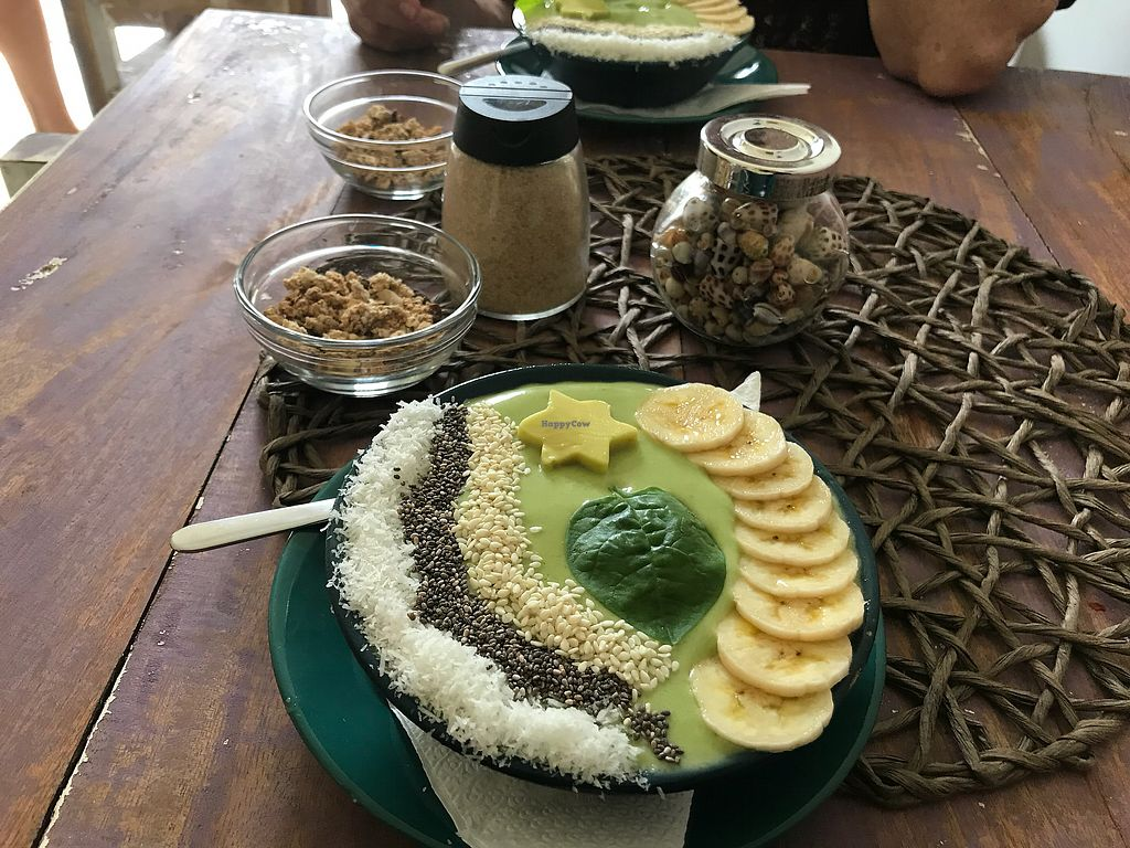 """Photo of Aloha Coffee Gallery  by <a href=""""/members/profile/Agelii"""">Agelii</a> <br/>Green power smoothie bowl  <br/> December 4, 2017  - <a href='/contact/abuse/image/91130/332227'>Report</a>"""