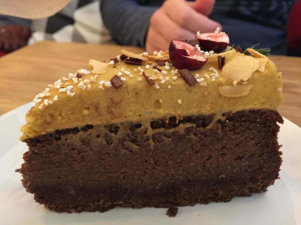 "Photo of Wilk Syty  by <a href=""/members/profile/FernandoMoreira"">FernandoMoreira</a> <br/>chocolate cake  <br/> December 26, 2017  - <a href='/contact/abuse/image/91270/339351'>Report</a>"
