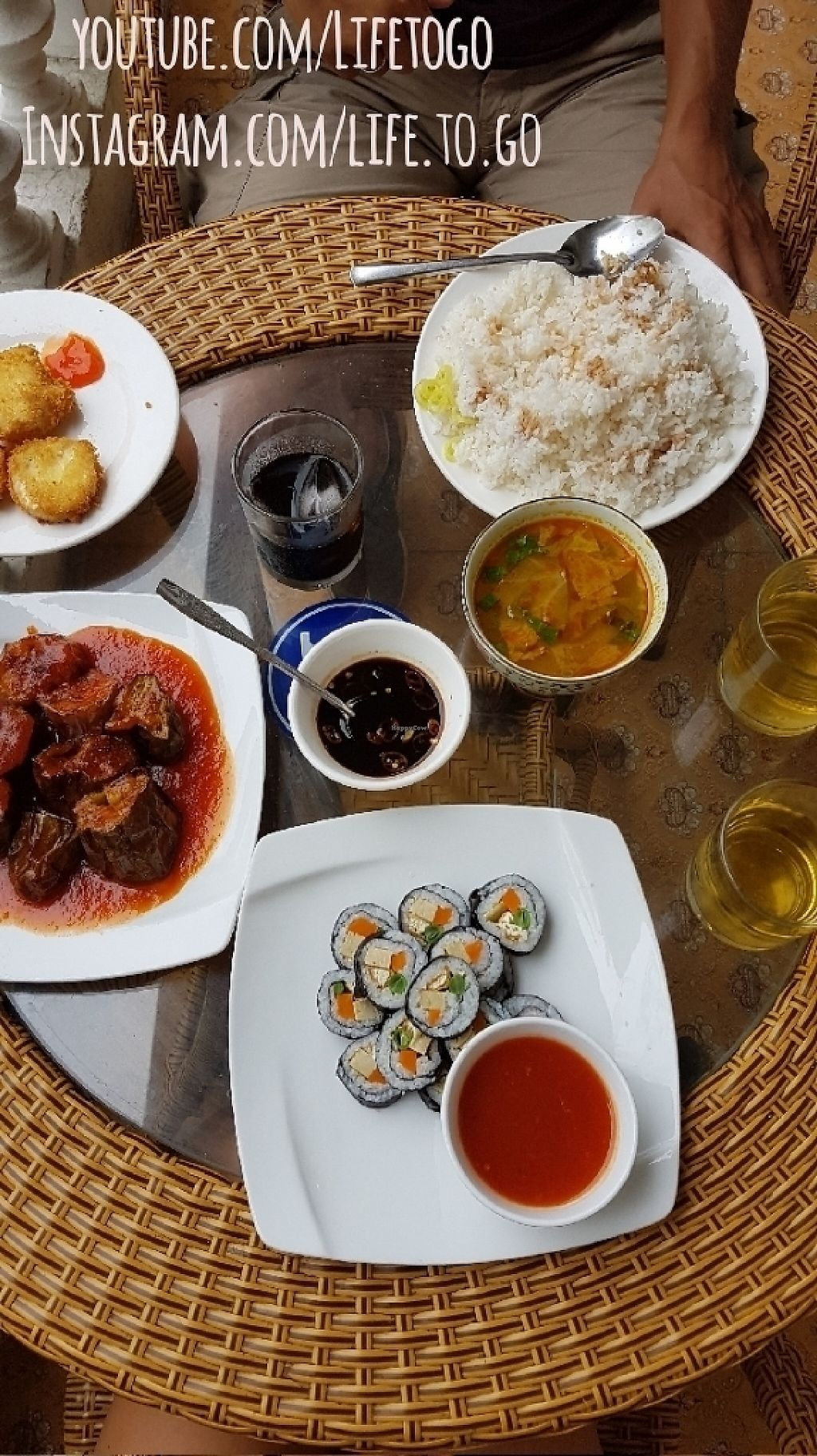 """Photo of An Nhien  by <a href=""""/members/profile/Lifetogo"""">Lifetogo</a> <br/>Yummie! Rice 10.000 VND, Sushi 30.000 VND, Eggplant 20.000 VND (or 30?), Crispy Tofu 20.000 VND <br/> May 15, 2017  - <a href='/contact/abuse/image/91296/258871'>Report</a>"""