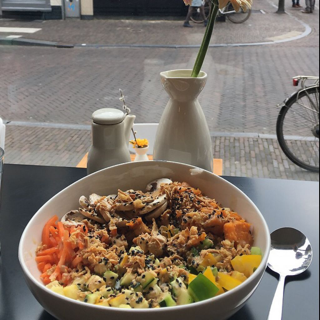 """Photo of Poke Perfect  by <a href=""""/members/profile/RomaDhanani"""">RomaDhanani</a> <br/>The vegan bowl :) <br/> April 29, 2017  - <a href='/contact/abuse/image/91317/253783'>Report</a>"""