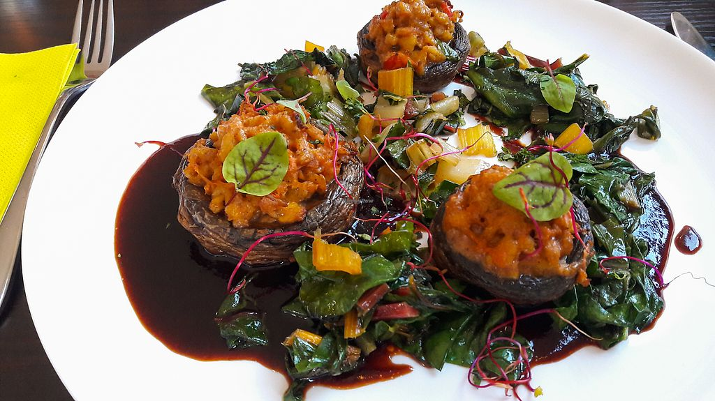 """Photo of Farbenfroh  by <a href=""""/members/profile/DusselDaene"""">DusselDaene</a> <br/>Stuffed mushrooms with chard <br/> May 26, 2017  - <a href='/contact/abuse/image/91327/262576'>Report</a>"""