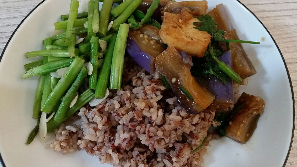 """Photo of Simple Lifestyle Healthy Vegetarian Cafe  by <a href=""""/members/profile/JimmySeah"""">JimmySeah</a> <br/>Embryo rice with quinoa, Egg plant and Asparagus <br/> July 11, 2017  - <a href='/contact/abuse/image/91391/279098'>Report</a>"""