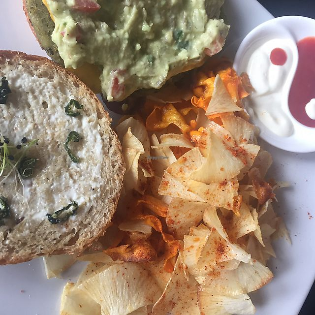 "Photo of Dulce Albahaca Deli Restaurant  by <a href=""/members/profile/MelFranco-P%C3%A9rez"">MelFranco-Pérez</a> <br/>mexican burger with spinach patty <br/> June 12, 2017  - <a href='/contact/abuse/image/91406/268485'>Report</a>"