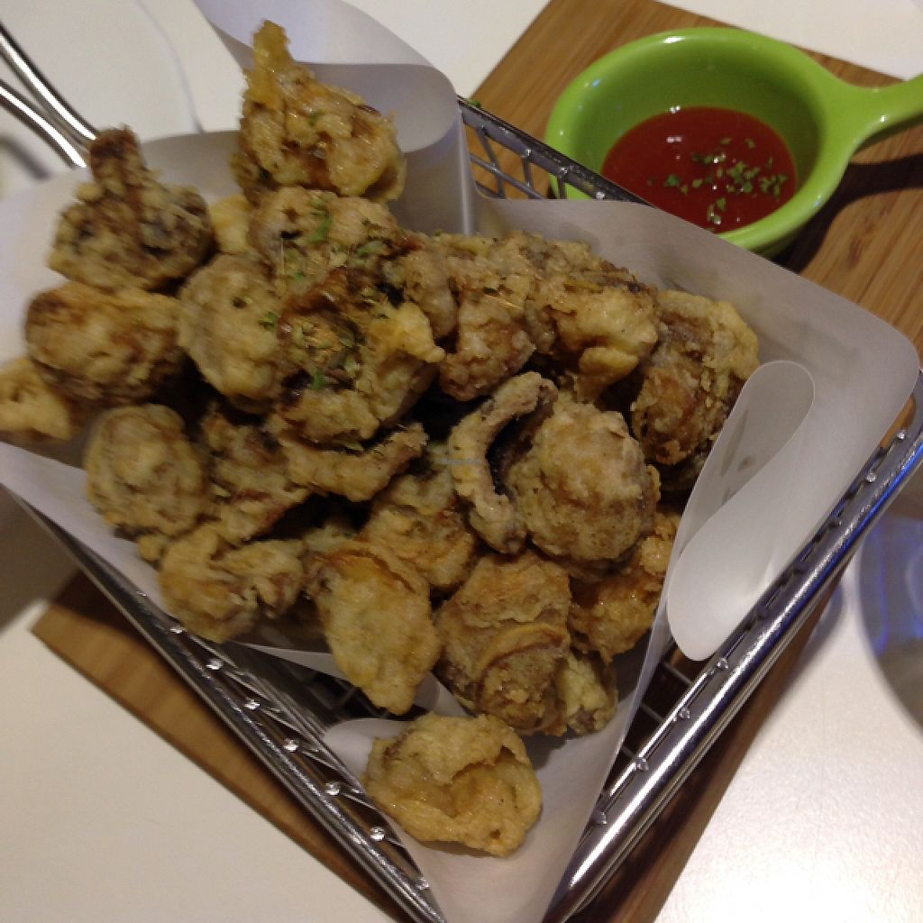 """Photo of Veggie Wonderland  by <a href=""""/members/profile/bruixa86"""">bruixa86</a> <br/>fried mushrooms <br/> May 18, 2017  - <a href='/contact/abuse/image/91488/259932'>Report</a>"""