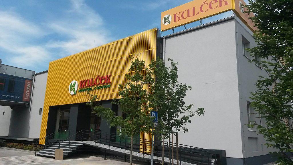 "Photo of Kalcek - Smartinska  by <a href=""/members/profile/slovenianvegan"">slovenianvegan</a> <br/>Kalček at BTC City shopping mall <br/> May 17, 2018  - <a href='/contact/abuse/image/9148/401006'>Report</a>"