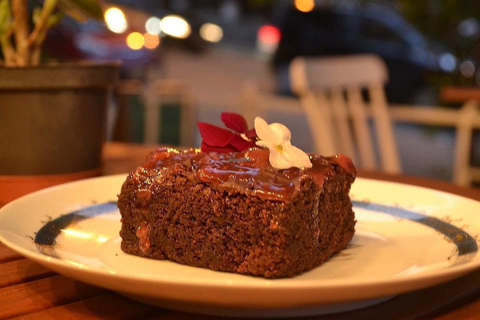 """Photo of Estomago Cafe Vegano  by <a href=""""/members/profile/IsadoraQuintana"""">IsadoraQuintana</a> <br/>Brownie <br/> June 15, 2017  - <a href='/contact/abuse/image/91581/269284'>Report</a>"""