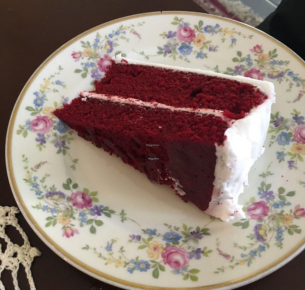 "Photo of Estomago Cafe Vegano  by <a href=""/members/profile/TatiMC"">TatiMC</a> <br/>Red Velvet Cake <br/> September 19, 2017  - <a href='/contact/abuse/image/91581/317824'>Report</a>"