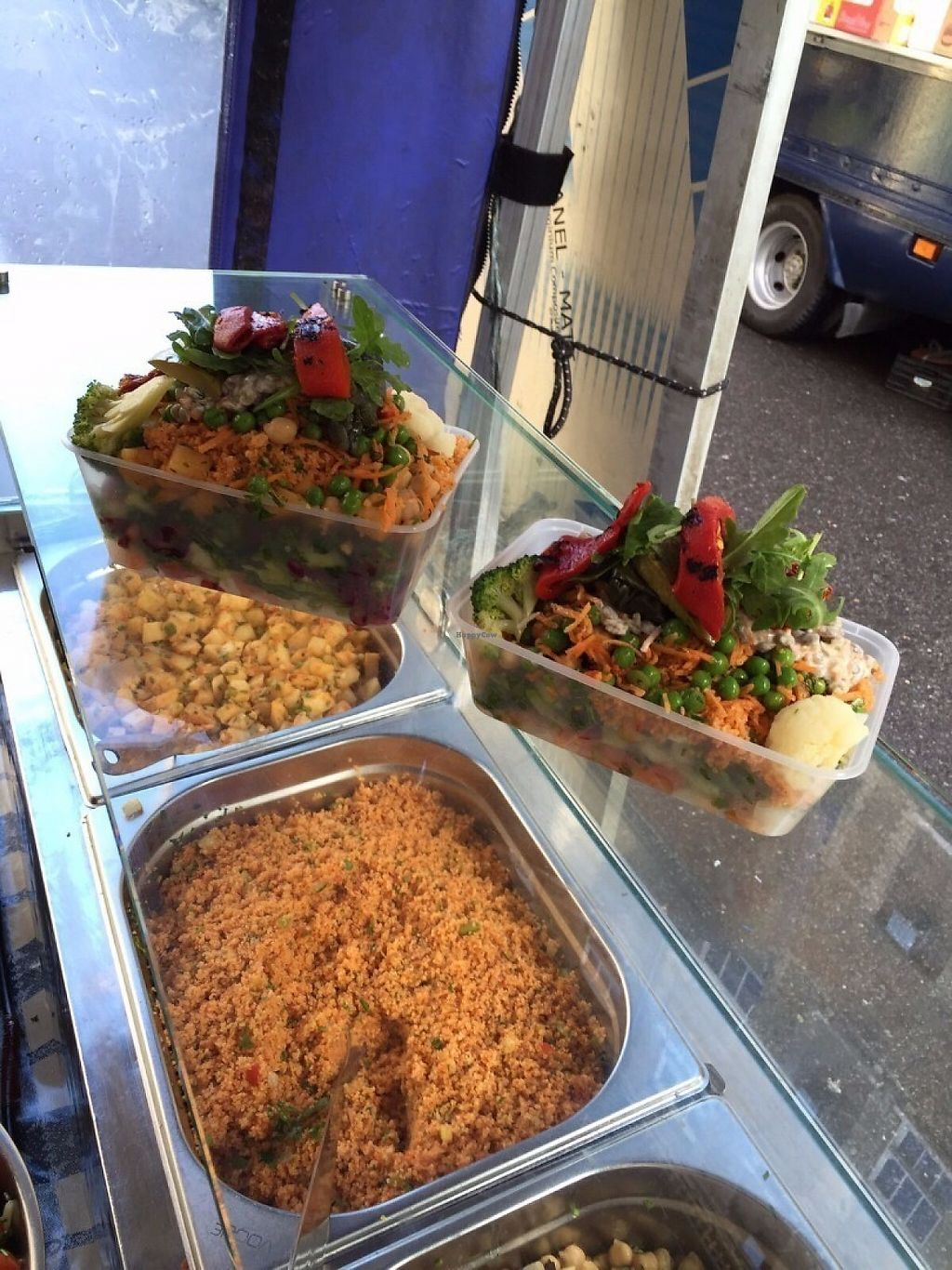 """Photo of Sunny's Olive Tree - Food Stall  by <a href=""""/members/profile/Coldhandshungrytummy"""">Coldhandshungrytummy</a> <br/>The large and small box from Sunny Olive Tree <br/> May 6, 2017  - <a href='/contact/abuse/image/91637/256127'>Report</a>"""