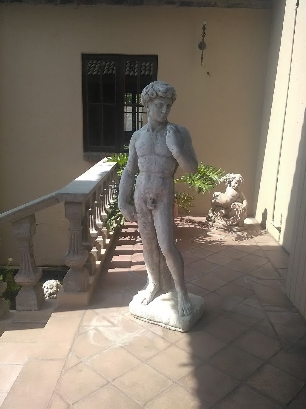 """Photo of Da Vicenzo  by <a href=""""/members/profile/Wolfmoon"""">Wolfmoon</a> <br/>Statue of Michelangelo decorates the place <br/> February 25, 2018  - <a href='/contact/abuse/image/91655/363566'>Report</a>"""