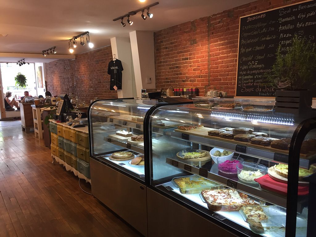 """Photo of Les Gourmandises Louca   by <a href=""""/members/profile/Sylvain"""">Sylvain</a> <br/>The counter <br/> June 25, 2017  - <a href='/contact/abuse/image/91706/273398'>Report</a>"""