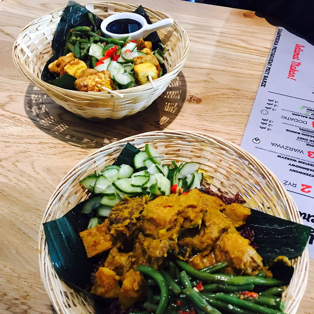 """Photo of Warung Jakarta  by <a href=""""/members/profile/KrzysztofGuba%C5%84ski"""">KrzysztofGubański</a> <br/>Tempeh and tofu bowls <br/> May 6, 2017  - <a href='/contact/abuse/image/91724/256321'>Report</a>"""