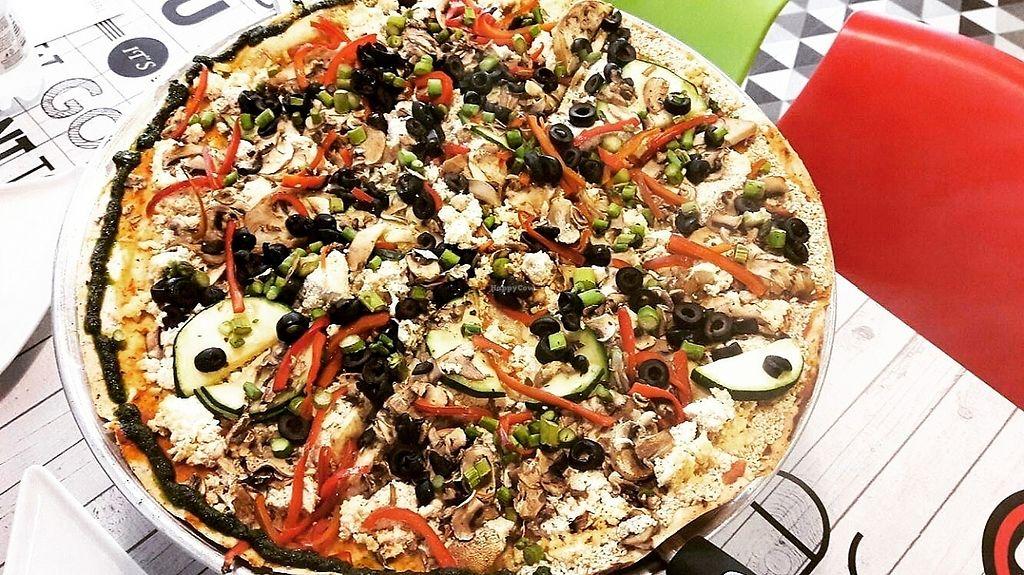 "Photo of CLOSED: One Pizzeria   by <a href=""/members/profile/AuraMar%C3%ADaRu%C3%ADzTob%C3%B3n"">AuraMaríaRuízTobón</a> <br/>Gluten free vegan pizza  <br/> May 13, 2017  - <a href='/contact/abuse/image/91740/258505'>Report</a>"