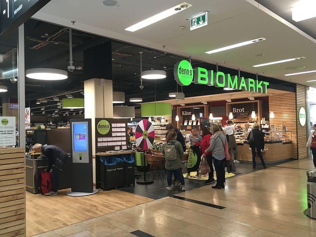 "Photo of denn's Biomarkt - Düsseldorf Arcaden  by <a href=""/members/profile/Tobias%20Boletaria"">Tobias Boletaria</a> <br/>denn's Biomarkt - Düsseldorf Arcaden <br/> May 8, 2017  - <a href='/contact/abuse/image/91805/257126'>Report</a>"