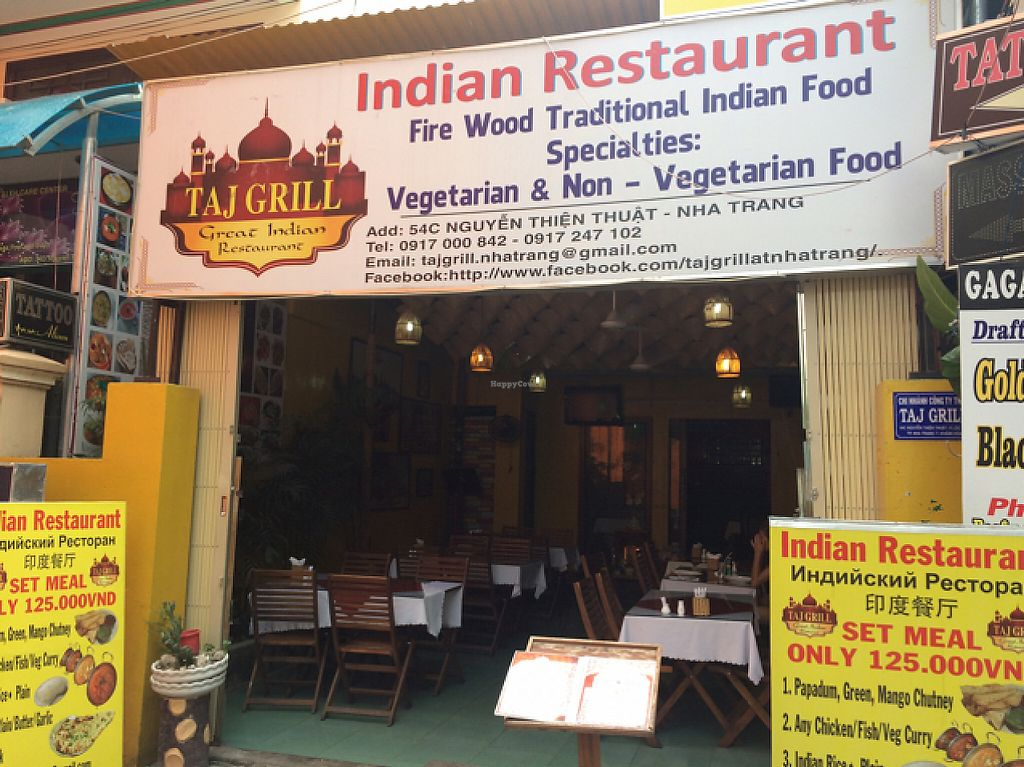 """Photo of Taj Grill  by <a href=""""/members/profile/Mitjacinda"""">Mitjacinda</a> <br/>front of the restaurant  <br/> May 9, 2017  - <a href='/contact/abuse/image/91815/257284'>Report</a>"""