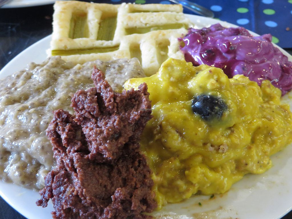 """Photo of Vegan Brunch Saarlouis Potluck  by <a href=""""/members/profile/VegiAnna"""">VegiAnna</a> <br/>example of a plate <br/> May 14, 2017  - <a href='/contact/abuse/image/91861/258822'>Report</a>"""