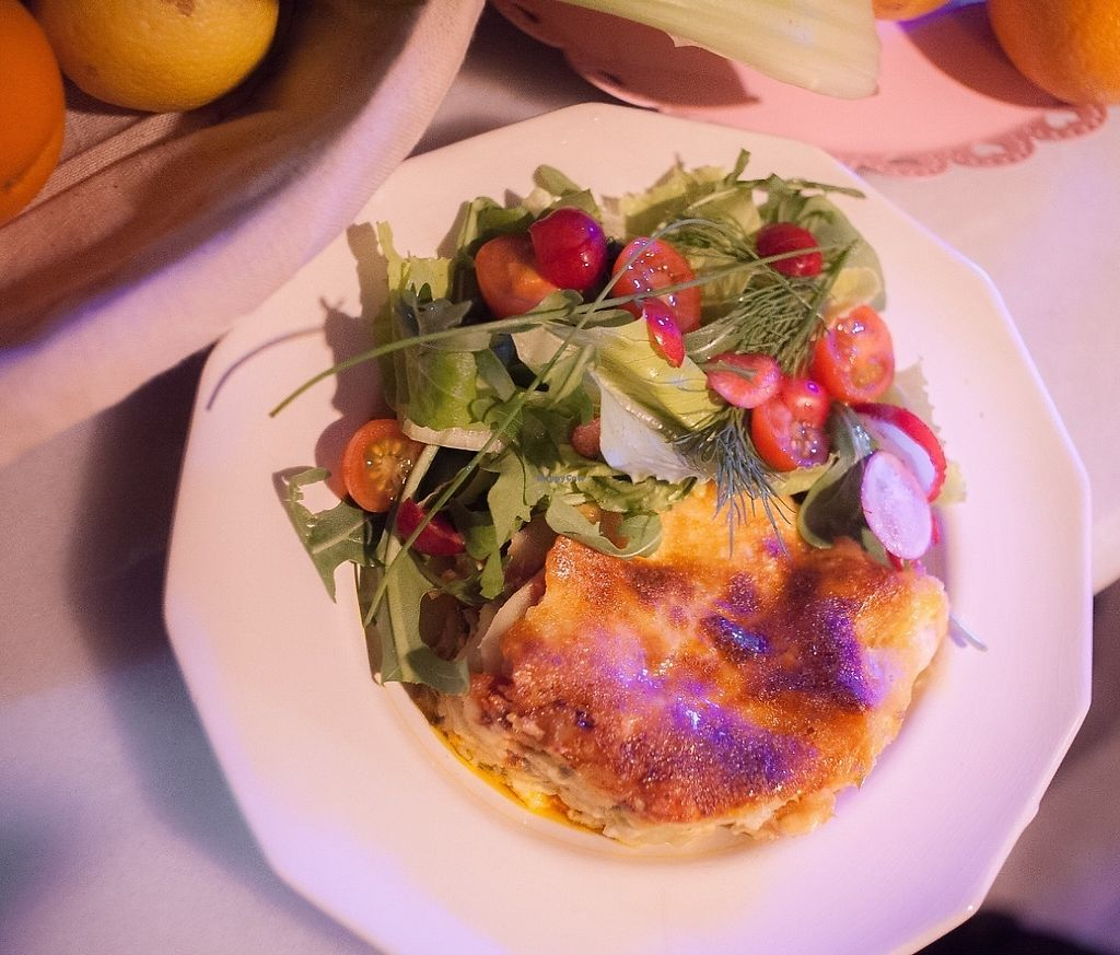"""Photo of Cafe Tenderete  by <a href=""""/members/profile/Charlieguesniffa"""">Charlieguesniffa</a> <br/>Lasagna con ensalada <br/> May 14, 2017  - <a href='/contact/abuse/image/91890/258702'>Report</a>"""