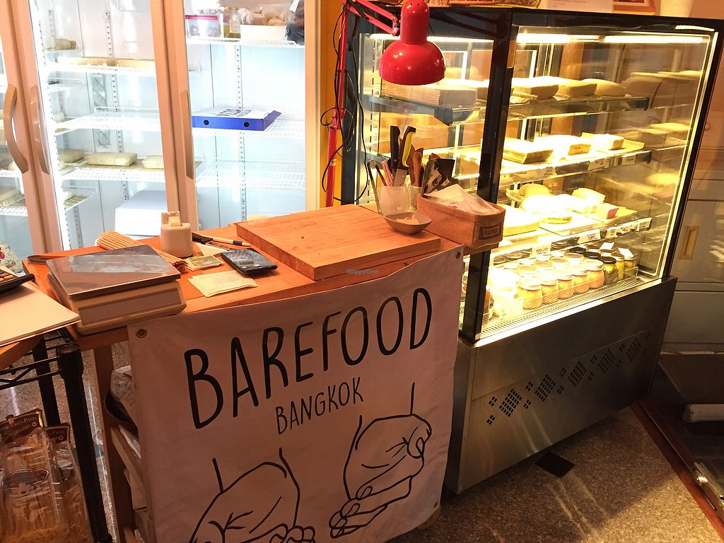 "Photo of BarefoodBangkok  by <a href=""/members/profile/SusanRoberts"">SusanRoberts</a> <br/>Counter area <br/> November 23, 2017  - <a href='/contact/abuse/image/91969/328306'>Report</a>"