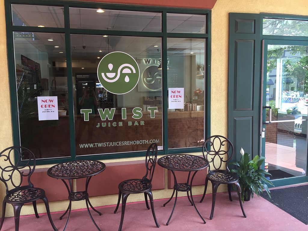 """Photo of Twist Juice Bar  by <a href=""""/members/profile/JulieHarrigan"""">JulieHarrigan</a> <br/>store front in First Street Station <br/> July 26, 2017  - <a href='/contact/abuse/image/91993/285157'>Report</a>"""