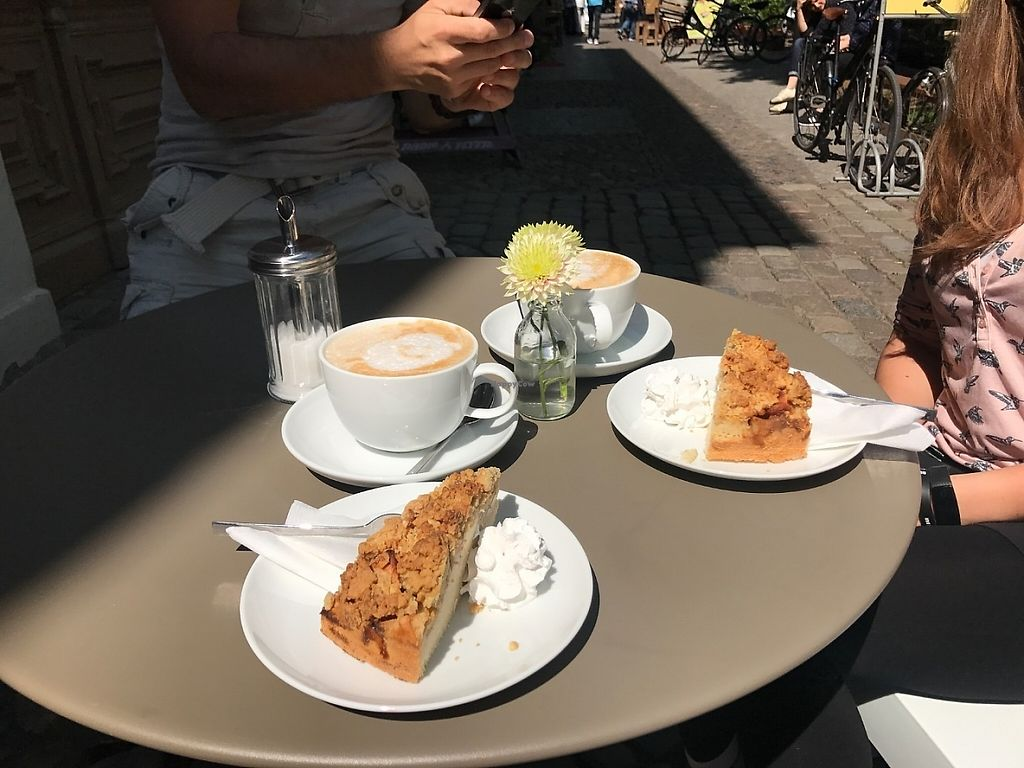 "Photo of Rosenberg  by <a href=""/members/profile/SebastianHoyGaeMahler"">SebastianHoyGaeMahler</a> <br/>Best applecake in Potadam!!!  <br/> May 11, 2017  - <a href='/contact/abuse/image/92030/257940'>Report</a>"