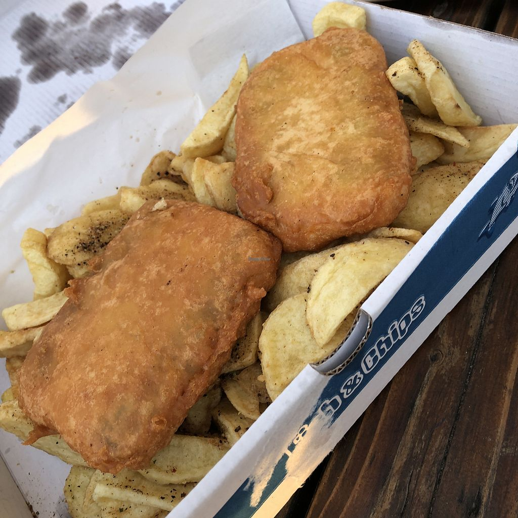 "Photo of Shakey Shakey  by <a href=""/members/profile/TARAMCDONALD"">TARAMCDONALD</a> <br/>Whoop whoop vegan fish and chips  <br/> April 22, 2018  - <a href='/contact/abuse/image/92044/389554'>Report</a>"