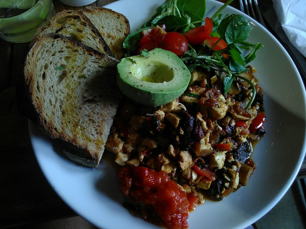 "Photo of Dirty Apron  by <a href=""/members/profile/VictorHugoLimachi"">VictorHugoLimachi</a> <br/>Best scrambled tofu in London! <br/> August 26, 2017  - <a href='/contact/abuse/image/92121/297648'>Report</a>"