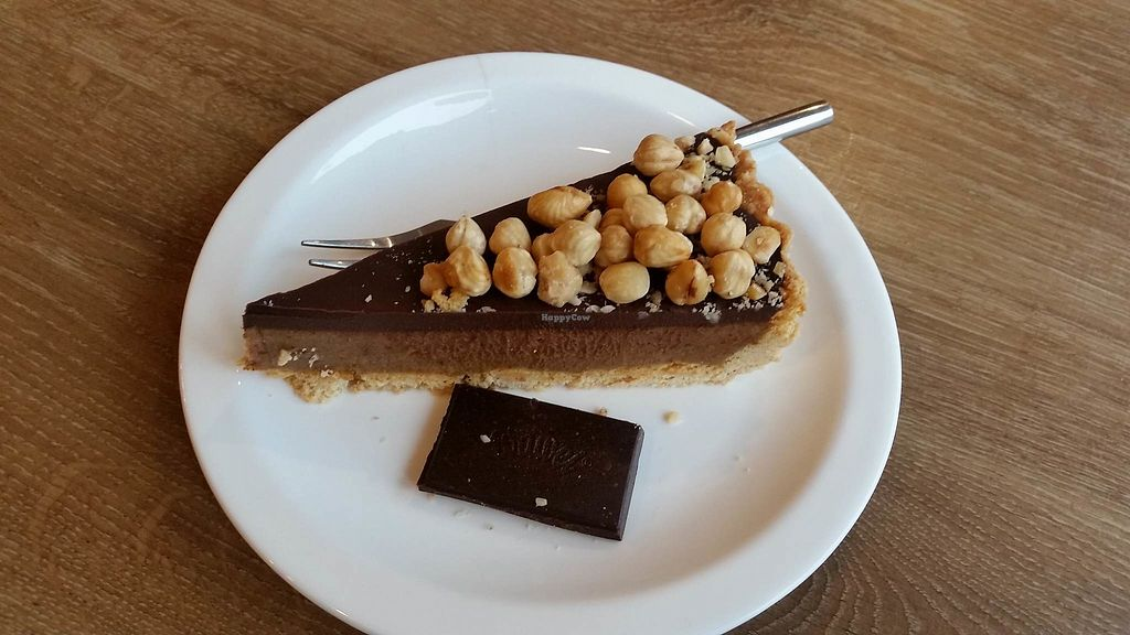 """Photo of CLOSED: Tart'tatin Food Boutique  by <a href=""""/members/profile/FernandoMoreira"""">FernandoMoreira</a> <br/>chocolate cake <br/> January 12, 2018  - <a href='/contact/abuse/image/92164/345752'>Report</a>"""
