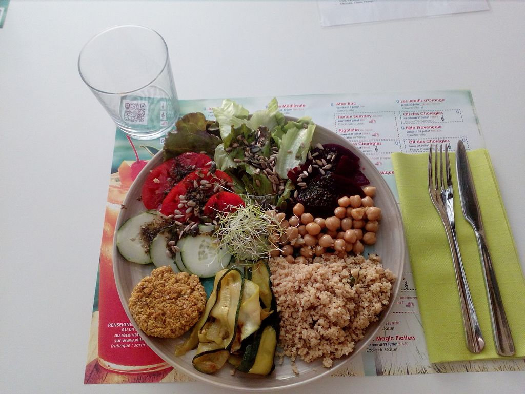 """Photo of L'Epicerie  by <a href=""""/members/profile/MartineGauthier"""">MartineGauthier</a> <br/>Veggie bowl <br/> November 1, 2017  - <a href='/contact/abuse/image/92348/320708'>Report</a>"""