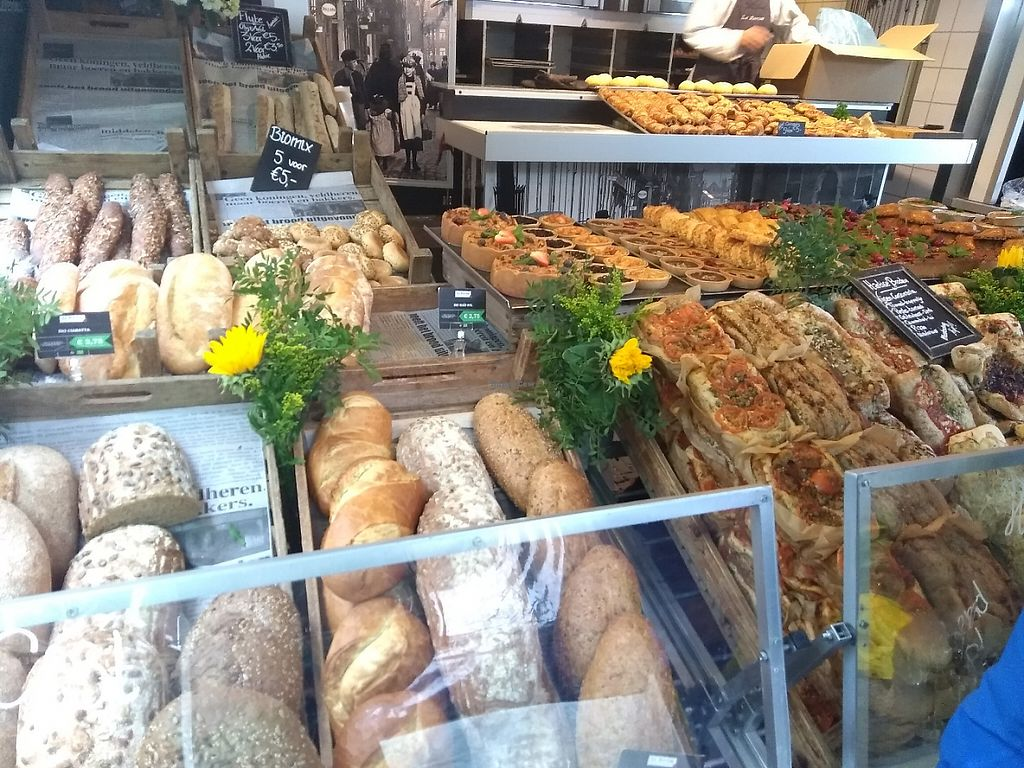 """Photo of Boerenmarkt op de Noordermarkt  by <a href=""""/members/profile/thenaturalfusions"""">thenaturalfusions</a> <br/>Organic Bakery <br/> May 19, 2017  - <a href='/contact/abuse/image/92370/260401'>Report</a>"""