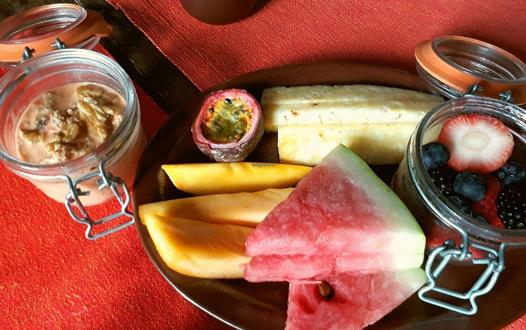 """Photo of Spice Market and Summer House  by <a href=""""/members/profile/WayfaringGreenSoul"""">WayfaringGreenSoul</a> <br/>Fresh fruit at Spice Market Breakfast Buffet <br/> May 19, 2017  - <a href='/contact/abuse/image/92398/260293'>Report</a>"""
