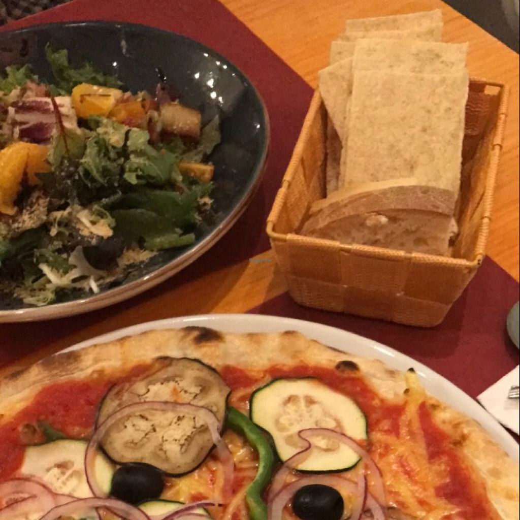 """Photo of Pizzi & Dixie  by <a href=""""/members/profile/aidaceron"""">aidaceron</a> <br/>Roasted leek and orange salad and the garden pizza <br/> May 28, 2017  - <a href='/contact/abuse/image/92445/263294'>Report</a>"""