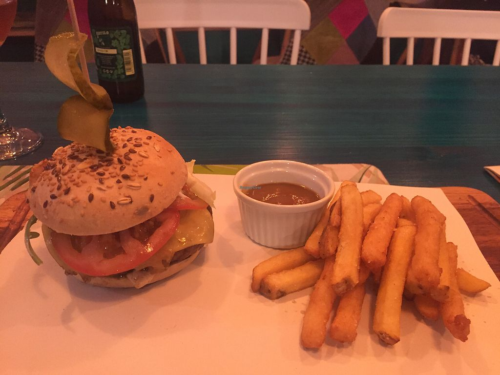 """Photo of CLOSED: Plant Grill  by <a href=""""/members/profile/Kevbromley"""">Kevbromley</a> <br/>Delicious burger <br/> September 1, 2017  - <a href='/contact/abuse/image/92475/299633'>Report</a>"""