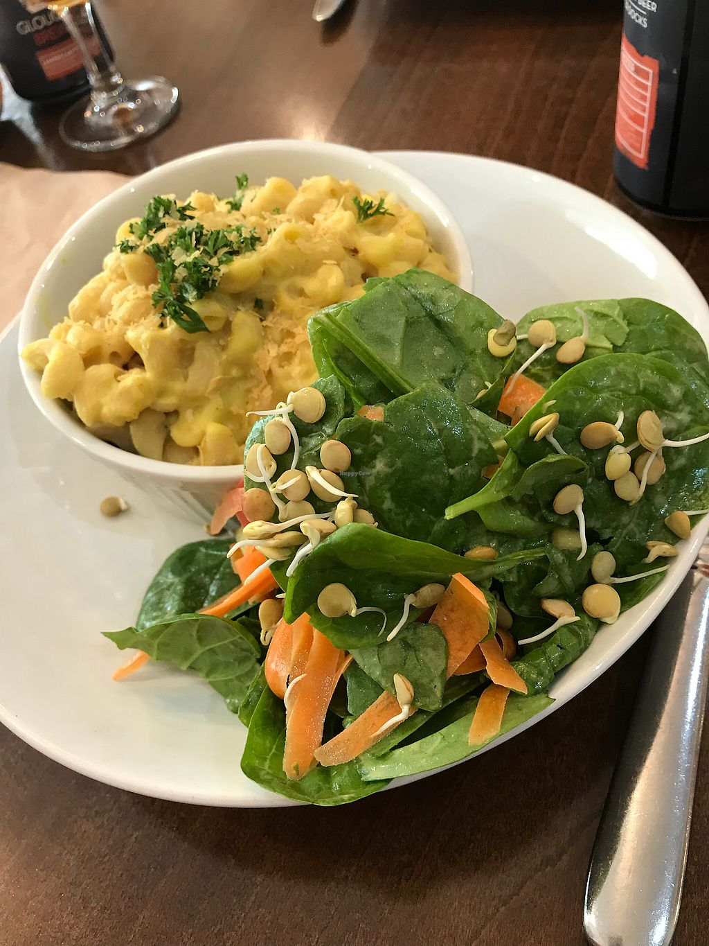 """Photo of Vinnie's Eatery  by <a href=""""/members/profile/RachelM"""">RachelM</a> <br/>Mac and cheese <br/> October 21, 2017  - <a href='/contact/abuse/image/92537/317265'>Report</a>"""