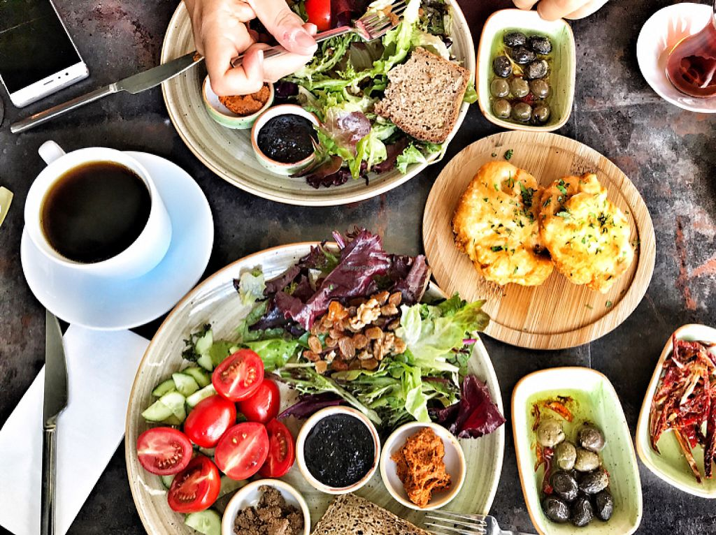 """Photo of Zapata Moda  by <a href=""""/members/profile/diclemre"""">diclemre</a> <br/>vegan breakfast <br/> May 21, 2017  - <a href='/contact/abuse/image/92541/261160'>Report</a>"""