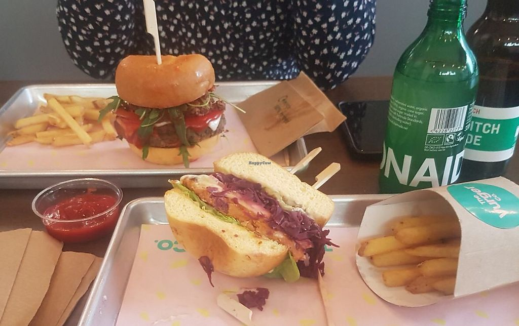 """Photo of The Vurger Co.  by <a href=""""/members/profile/lysi"""">lysi</a> <br/>Auburger in front, MLR in the back <br/> May 11, 2018  - <a href='/contact/abuse/image/92574/398389'>Report</a>"""