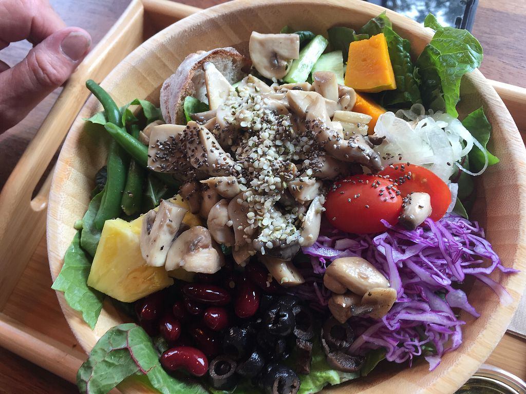 """Photo of Bottle & Bowl  by <a href=""""/members/profile/Happytraveller"""">Happytraveller</a> <br/>Excellent Salad Bowls!! <br/> April 4, 2018  - <a href='/contact/abuse/image/92589/380502'>Report</a>"""