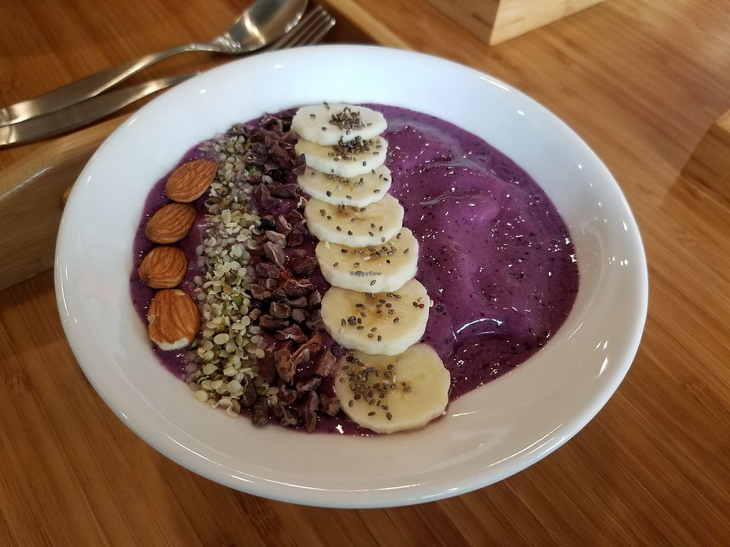 """Photo of Bottle & Bowl  by <a href=""""/members/profile/HannahP96"""">HannahP96</a> <br/>Veganized berry smoothie bowl (soy milk, no granola) <br/> May 14, 2018  - <a href='/contact/abuse/image/92589/399528'>Report</a>"""