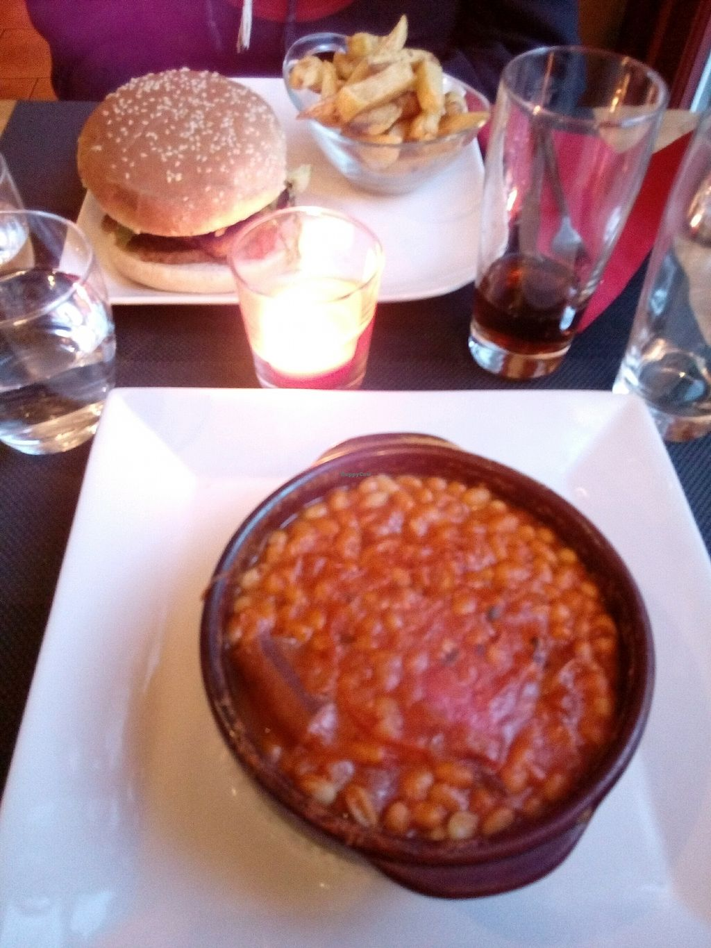 """Photo of Restaurant le 104  by <a href=""""/members/profile/falatel"""">falatel</a> <br/>burger y cassoulette vegano <br/> March 30, 2018  - <a href='/contact/abuse/image/92615/378454'>Report</a>"""