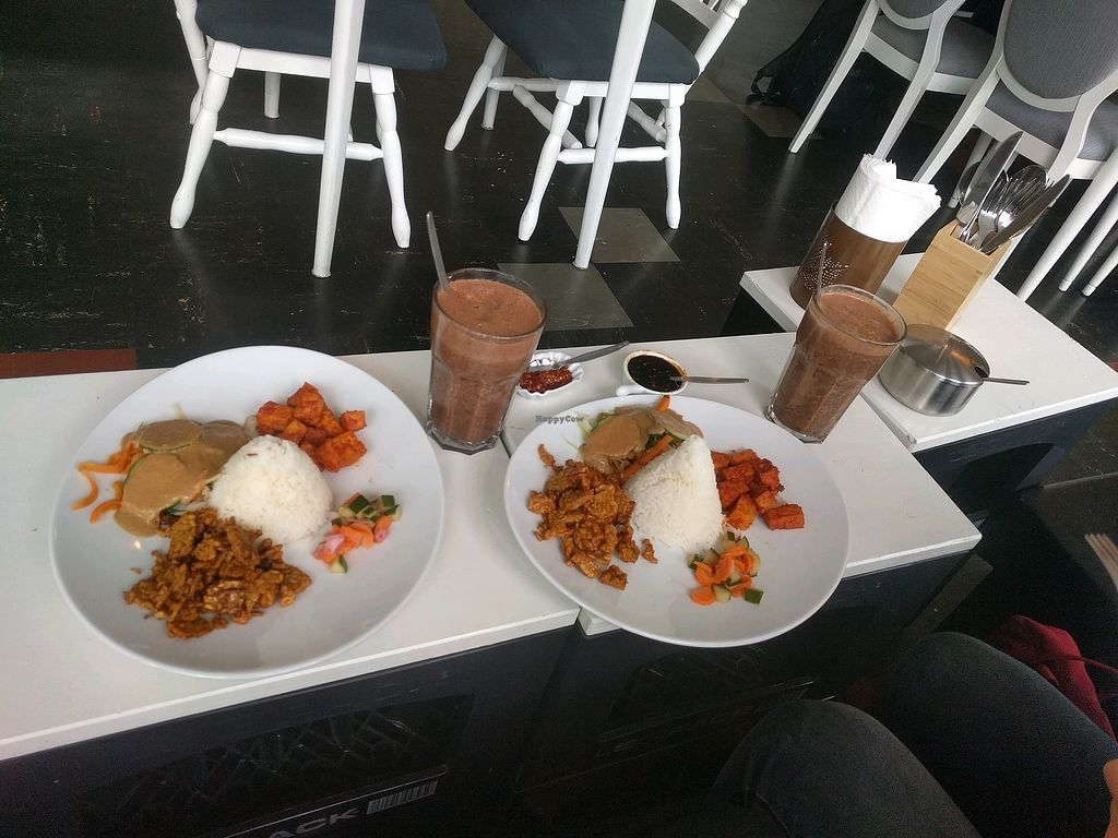 """Photo of Sojahaus Setia  by <a href=""""/members/profile/Navaie"""">Navaie</a> <br/>2x chef's special + hot chocolate <br/> November 11, 2017  - <a href='/contact/abuse/image/92667/324252'>Report</a>"""