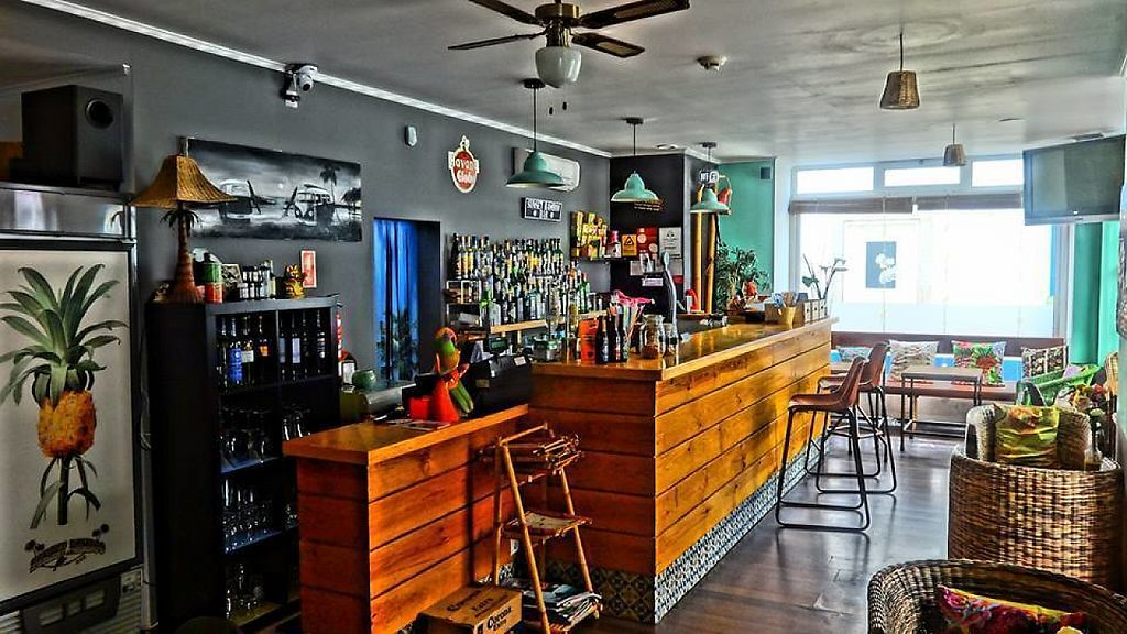 "Photo of Sunset Bamboo Bar  by <a href=""/members/profile/community5"">community5</a> <br/>Sunset Bamboo Bar <br/> May 24, 2017  - <a href='/contact/abuse/image/92680/262165'>Report</a>"