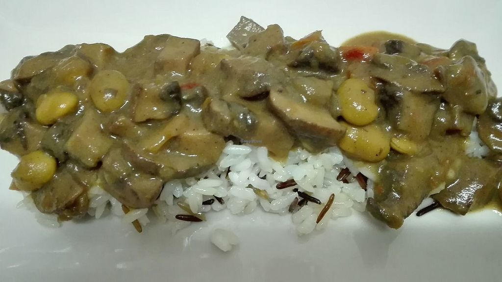 """Photo of El Enano Verde  by <a href=""""/members/profile/community5"""">community5</a> <br/>Wild Rice with portobello and edamame with sauce of coconut milk and curry <br/> May 25, 2017  - <a href='/contact/abuse/image/92691/262295'>Report</a>"""